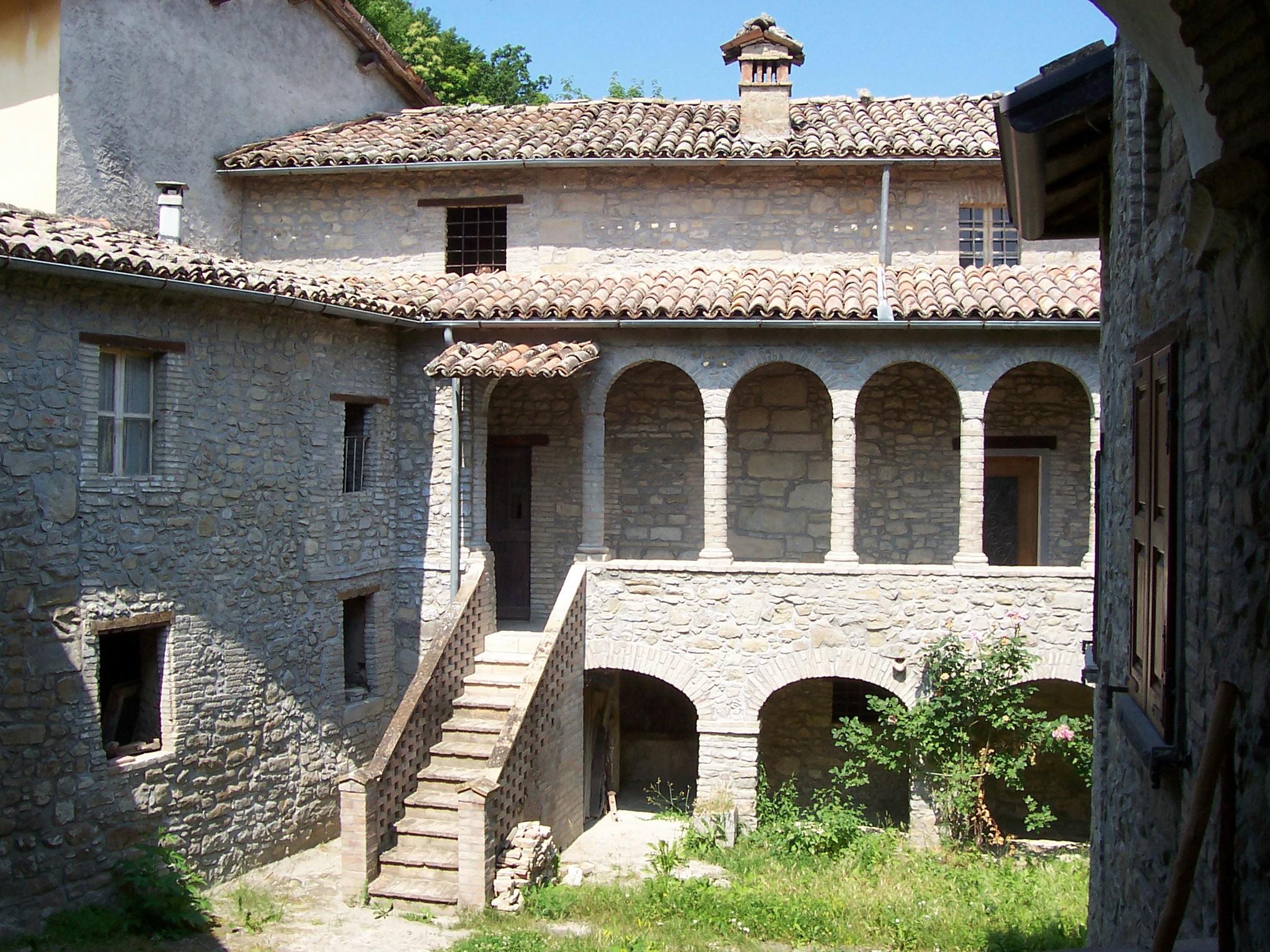 I borghi comune di vetto re - Archi in pietra interno casa ...